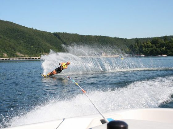 Water skiing at the 'Water Sports Center Sun & Fun' directly at the Edersee dam