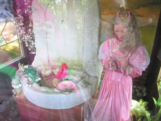 The Wildlife and Leisure Park Willingen also has an enchanted forest with fairy tale displays